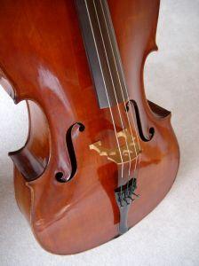 1008401 corpus of on old cello .jpg