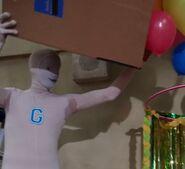 S04E07-Balloon Drop Being
