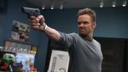 Jeff Winger Gun (2x09)
