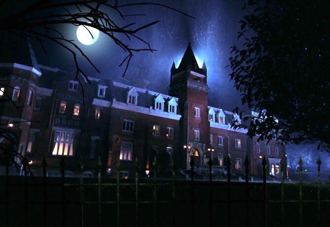 Hawthorne Manor