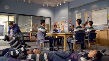 6x13 Jeff strangling Abed