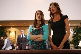 4X3 promo pic Annie and Lauren