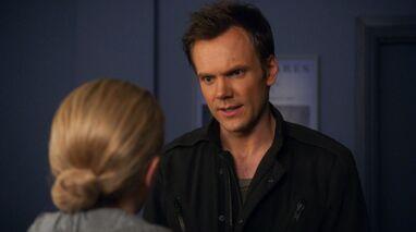 1x14 Jeff backstage