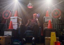 2x14-Pierce throne.jpg