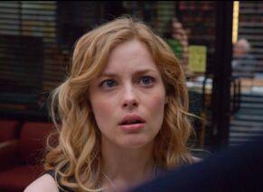 1x1 Britta incredulous