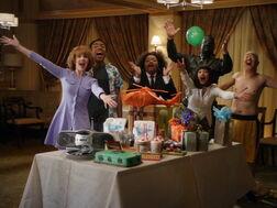 2x19-Surprise party 2.jpg