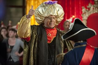 3X21 Pierce as Carnac the Magnificent