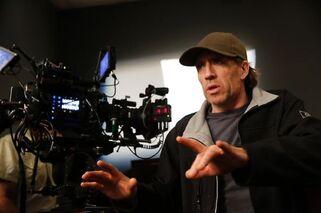 4X13 Behind the scenes photo 2