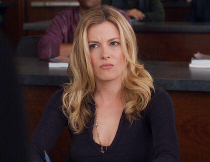 2x13 Britta annoyed