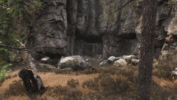 The Crevice (cave)2.jpg