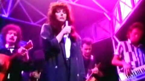 Kate Bush 'Running Up That Hill' 1985