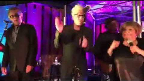 Mavis Staples & Tom Waits - Respect Yourself (Live @ Petaluma's Lagunitas Brewing 12 09 2017)