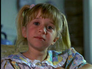 To-Grandmother-s-House-We-Go-1992-mary-kate-and-ashley-olsen-14009210-720-540