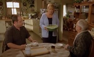 S02E18-Leroy kitchen.jpg