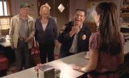 S04E12-Oscar Emma Davis laugh