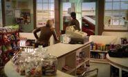 S03E16-Wanda chases Hank