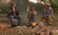 S04E18-Campfire