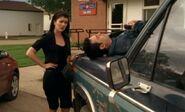 S04E01-Lacey Hank truck