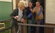 S04E16-Oscar Harvesters
