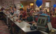 S06E17-Party