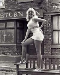 Bet lynch julie goodyear 1970.jpg