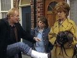 Episode 4500 (1st November 1998)