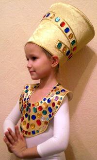 Nefertiti-topside.jpg