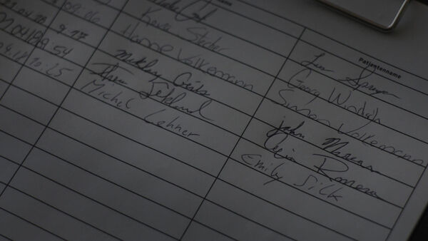 Andrei-signs-as-Michel-Lehner-Counterpart-STARZ-Season-1-Episode-5-Shaking-the-tree.jpg