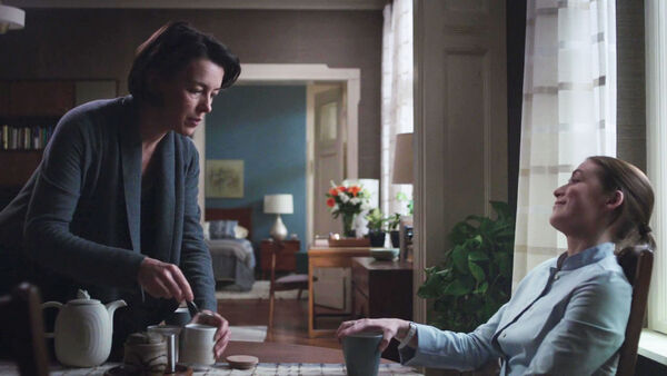 Olivia-Williams-Sarah-Bolger-Emily-and-Anna-enjoy-tea-Counterpart-STARZ-Season-1-Episode-6-Act-Like-Youve-Been-Here-Before.jpg