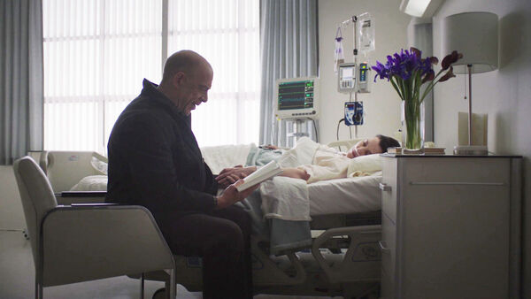 JK-Simmons-and-Olivia-Williams-D2-Howard-and-D1-Emily-at-the-hospital-Counterpart-STARZ-Season-1-Episode-10-No-Mans-Land.jpg