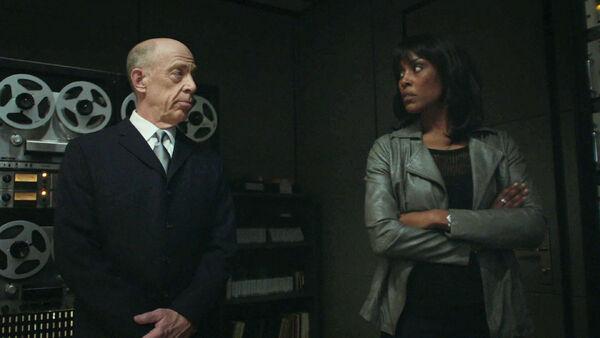 JK-Simmons-Christine-Adams-Cara-is-not-a-Howard-Silk-fan-Counterpart-STARZ-Season-1-Episode-8-Love-the-Lie.jpg