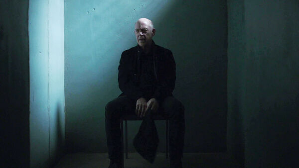 JK-Simmons-D1-Howard-prison-Counterpart-Season-1-Episode-10-No-Mans-Land.jpg