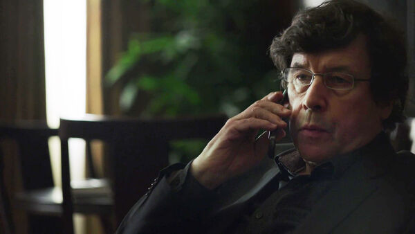 Stephen-Rea-Alexander-Pope-Counterpart-Starz-Season-1-Episode-6-Act-Like-Youve-Been-Here-Before.jpg
