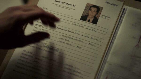 Nolan-Gerard-Funk-is-Oskar-Wolfe-in-Dimension-One-Counterpart-STARZ-Season-1-Episode-5-Shaking-the-Tree.jpg