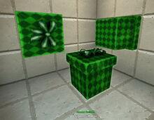 Creativerse gift box green 2019-04-23 17-21-10-1656.jpg