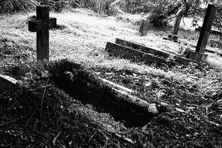 Grave 2.jpg