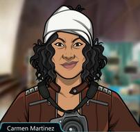 Carmen con una venda en la cabeza