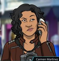Carmen hablando por telefono pensando