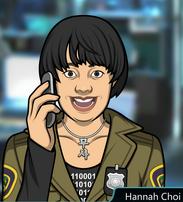 Hannah con el teléfono emocionada