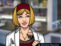 Martine Mostrando su tatuaje