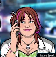 Roxie Con el teléfono, sonriendo