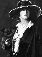 Ladyduffgordon-1919-310x415