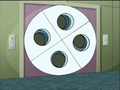 S01E10 Symmetria turn-symmetry door