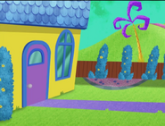 S07E06 Ms. Fileshare's front door