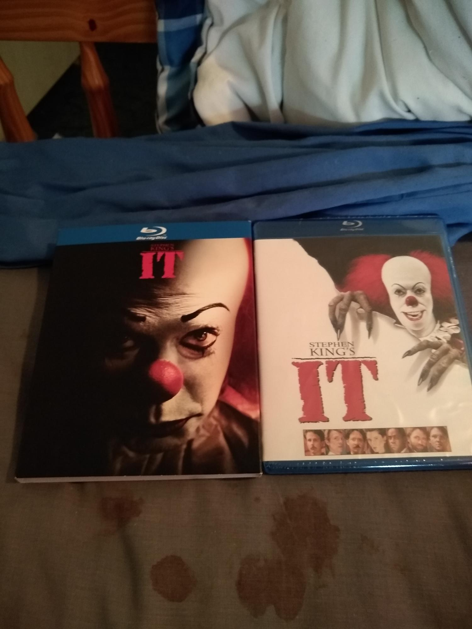 I Bought The Original Stephen King IT At Wal-Mart Today   I'm Gonna Buy the Remake Next
