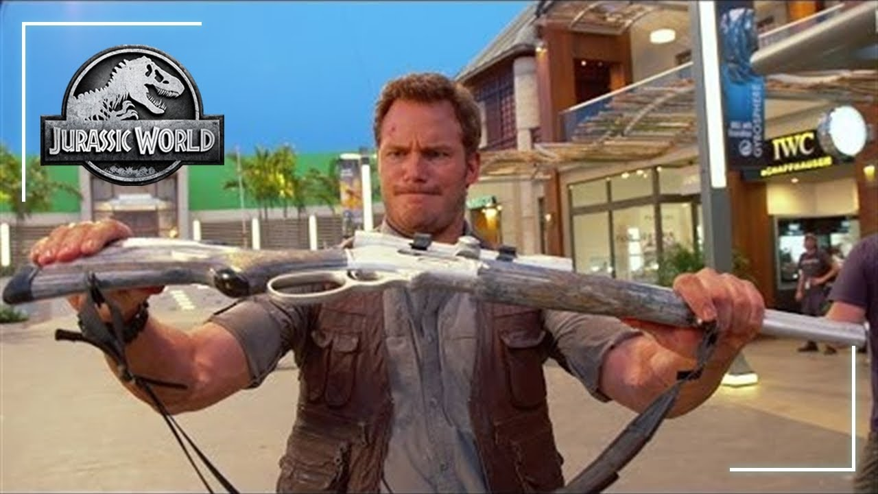 Jurassic World: Props and Animals | Featurette | Jurassic World