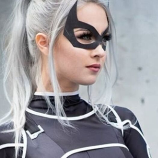 'Marvel's Spider-Man's' Black Cat Comes to Life With This 'The Heist' Cosplay