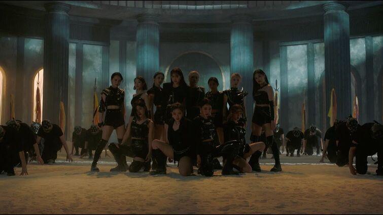 "[MV] 이달의 소녀 (LOONA) ""PTT (Paint The Town)"""