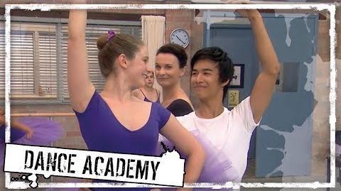 Dance_Academy_S1_E13_Family