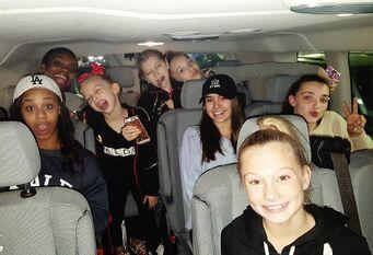 710 Girls travelling